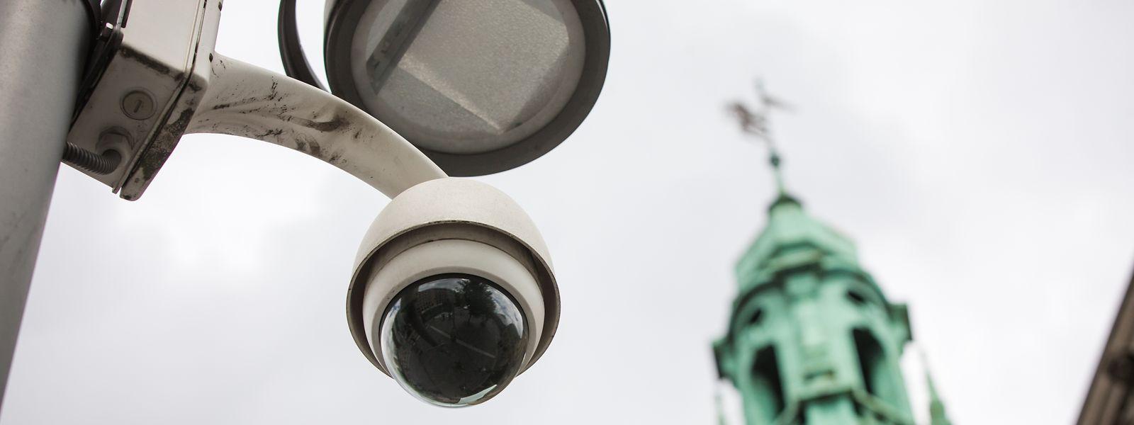 Der Vorplatz des Hauptbahnhofs wird bereits seit 2007 per Kameras kontrolliert, nun wird die Überwachung auf das Viertel ausgeweitet.