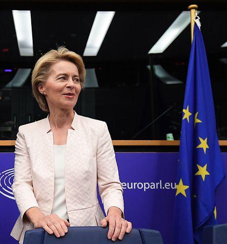 Für die Wahl zur Präsidentin der EU-Kommission braucht Ursula von der Leyen die absolute Mehrheit der 747 Abgeordneten im Europaparlament.