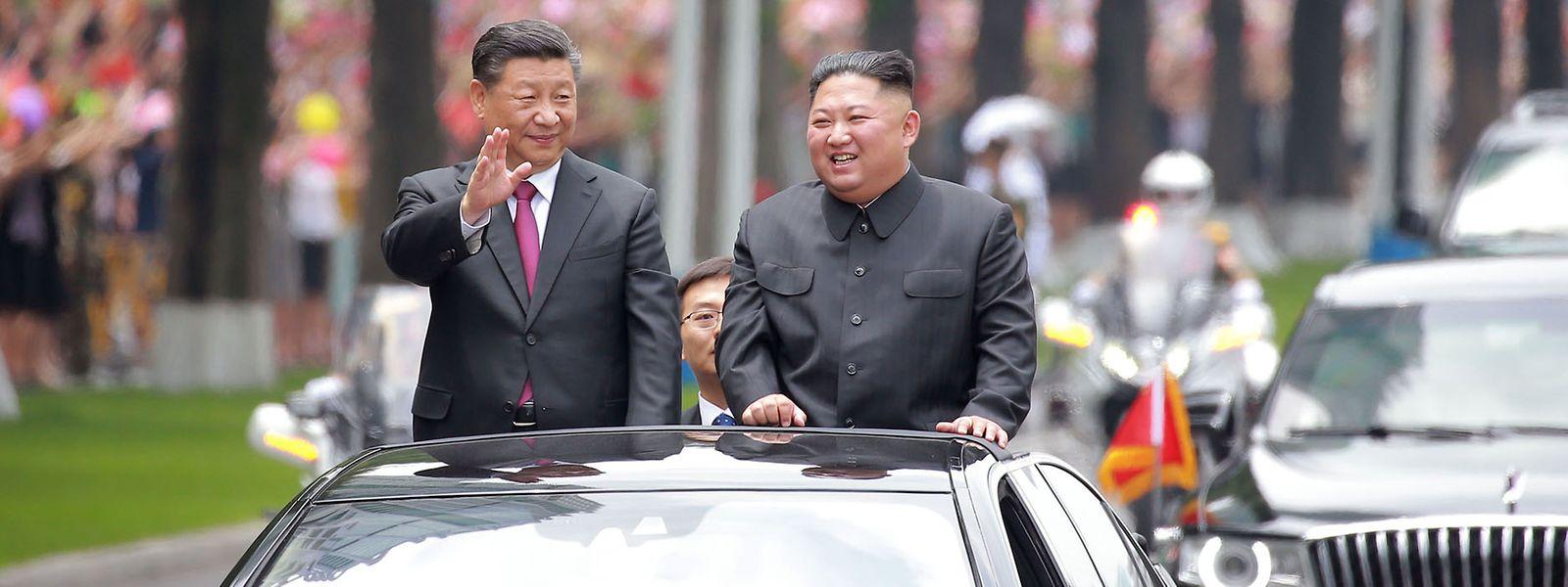 Xi Jinping und Kim Jong Un in trauter Zweisamkeit.