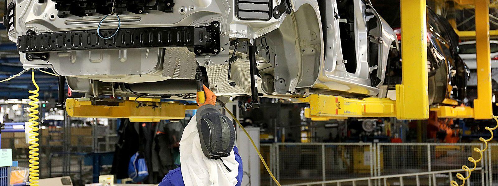 Der Autohersteller Ford plant an seinem zweitgrößten deutschen Produktionsstandort in Saarlouis einen Jobabbau.