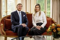 Dutch King Willem-Alexander and Queen Maxima take part in the recording of a personal video message in which the king discusses the cancellation of their holiday to Greece, on October 21, 2020 in The Hague. - The Dutch king and queen said they will cut short a holiday in Greece on October 17 after facing criticism for taking a vacation when the Netherlands is under a partial coronavirus lockdown. (Photo by Koen van Weel / ANP / AFP) / Netherlands OUT