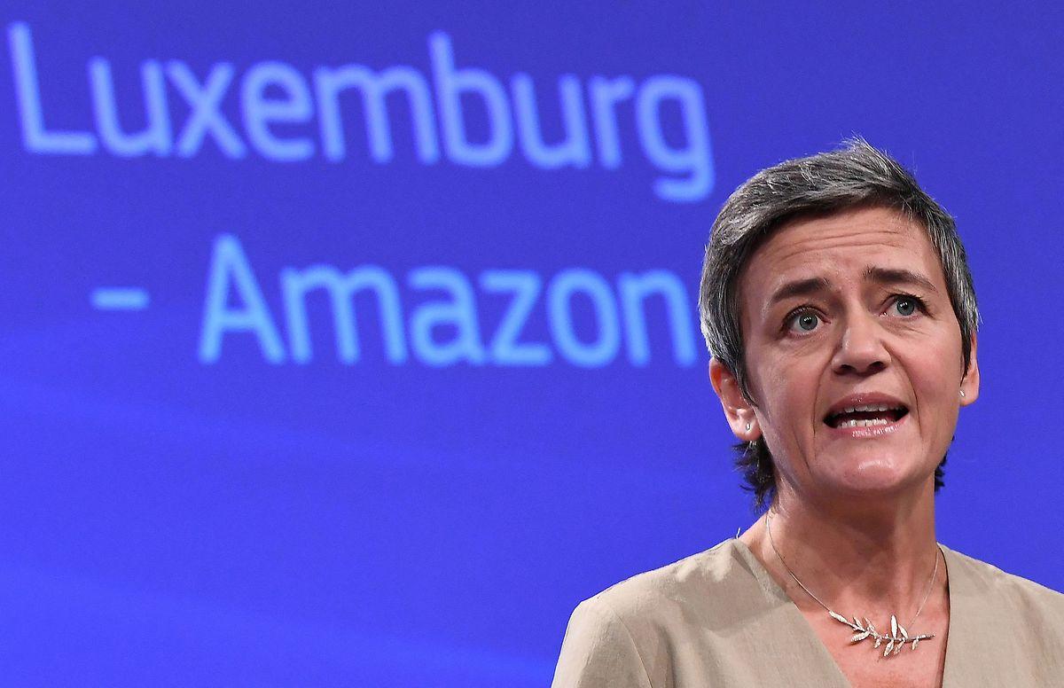 Comissária europeia da Concorrência Margrethe Vestager em 2017, aquando da decisão de obrigar a Amazon a devolver 250 milhões de euros ao Estado luxemburguês.
