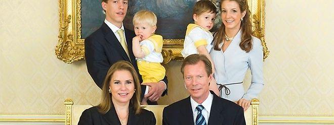 Imagem de 2009, junto com os pais, a mulher e os filhos