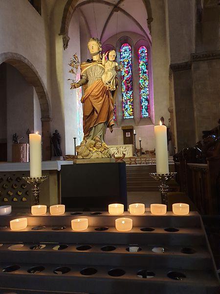 Auch - oder gerade- in Krisenzeiten zünden Menschen gerne Kerzen an