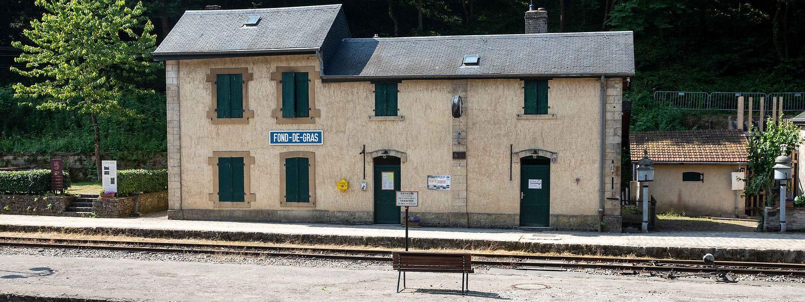 Lorsqu'il s'agit de trouver une gare et des trains historiques, le choix de Fond-de-Gras s'impose souvent.