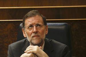 A demissão do ministro da indústria de Mariano Rajoy coloca o partido numa situação delicada, numa altura em que os partidos tentam chegar a acordo para formar Governo