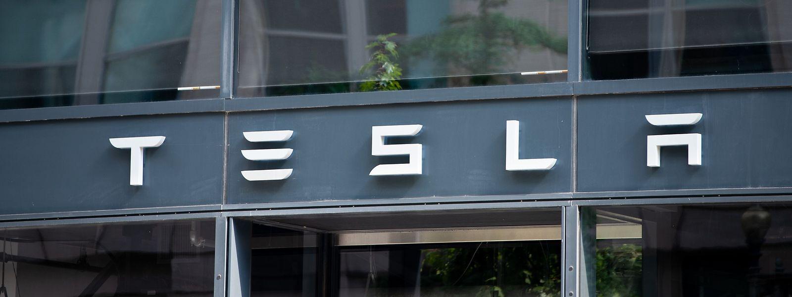 Auch bei Auslieferung und Produktion erreichte Tesla Bestwerte.