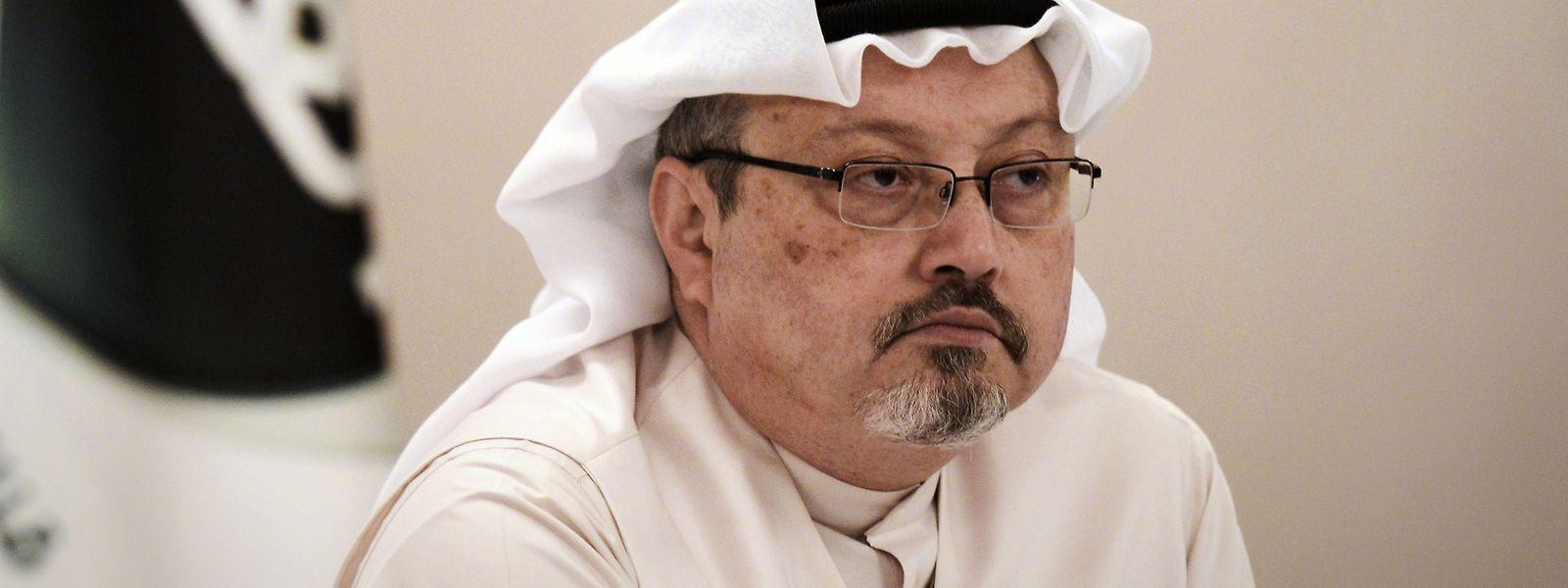 Khashoggi galt als kritischer Kommentator des saudischen Königshauses, was ihn letztlich das Leben kostete. Dabei hatte er dem Königshaus zeitweise durchaus nahe gestanden.