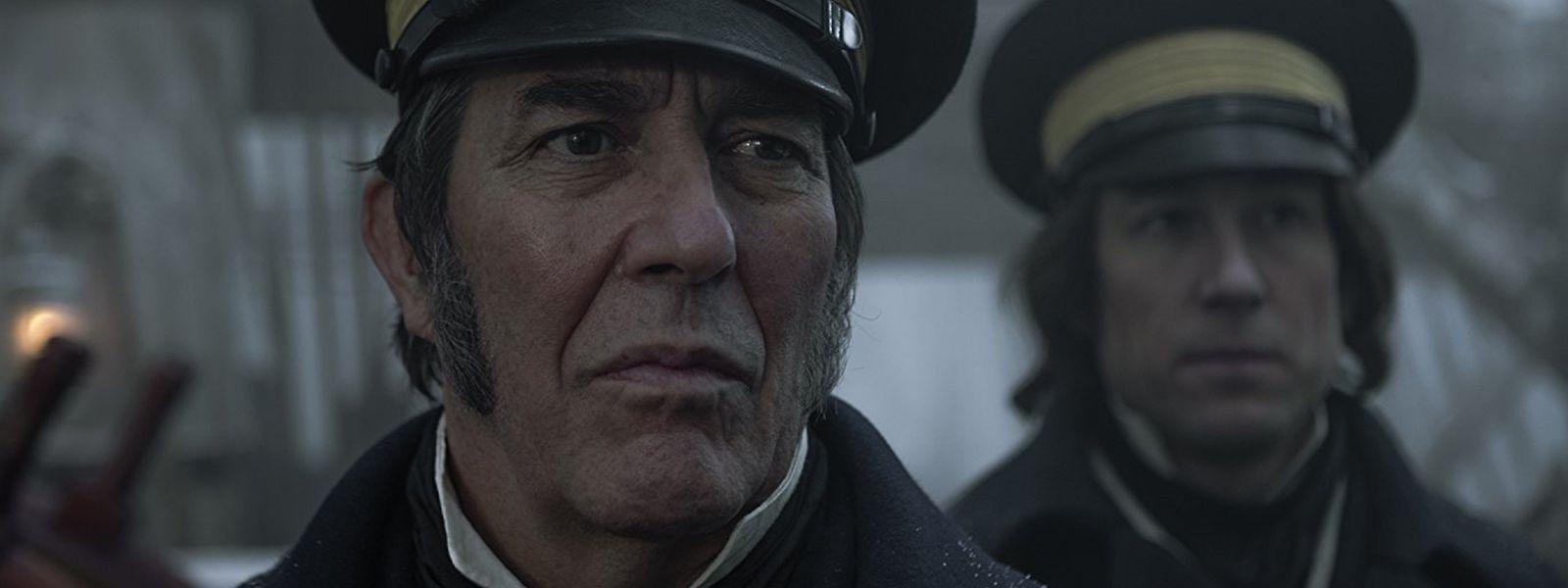 Sir John Franklin (Ciaran Hinds, l.) und Captain James Fitzjames (Tobias Menzies) wird die Suche nach der Nordwestpassage zum Verhängnis.