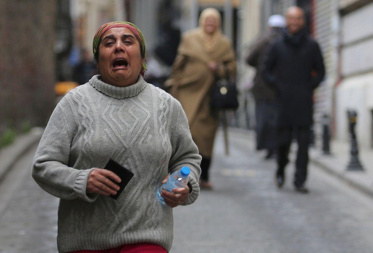 Die Menschen flüchteten nach dem Attentat aus dem Shopping- und Touristenviertel.