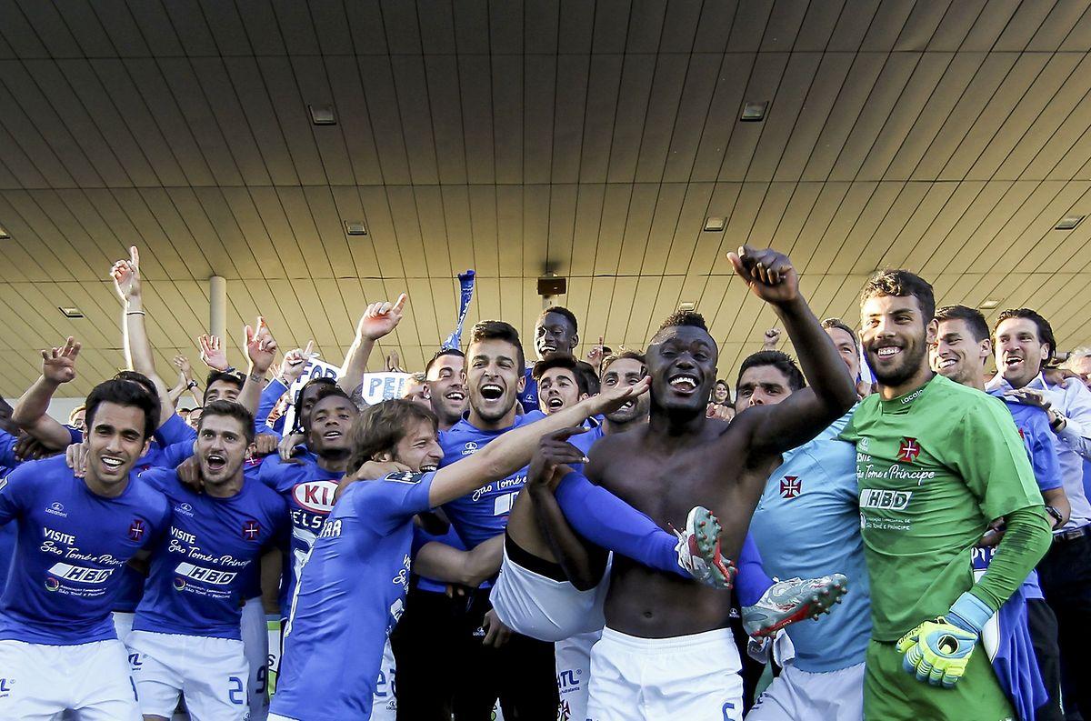 A festa dos jogadores do Belenenses, em Barcelos, após a vitória frente ao Gil Vicente