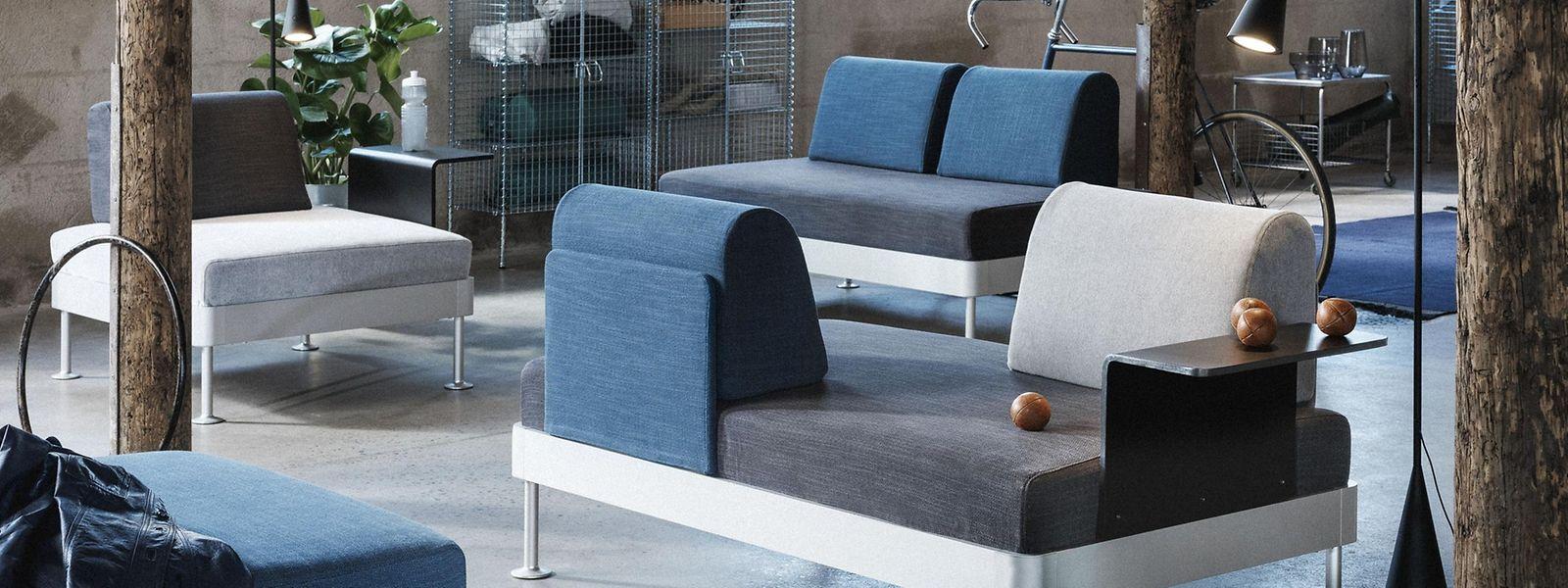 """Sofa und Sessel von """"Delaktig"""" können individuell mit Lehnen und Kissen bestückt werden, sodass viele Variationen möglich sind. Die Kollektion ist von Februar an erhältlich."""