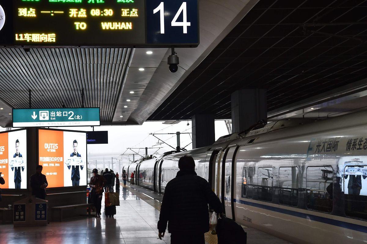 Auch die Zugverbindungen von und nach Wuhan sind unterbrochen.