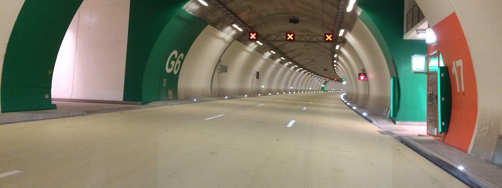 Der Schall eilt ihm voraus: Als William M. mit seinem Sportwagen mit mehr als 170 km/h durch den Autobahntunnel Grouft rast, können die Polizisten ihn schon von Weitem hören.