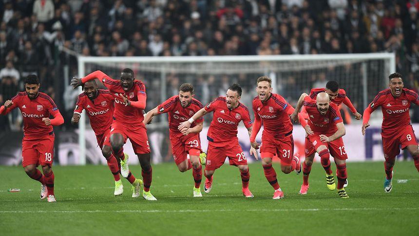 Nach dem Elfmeterkrimi gegen Besiktas bekommt Olympique Lyon es im Halbfinale mit Ajax Amsterdam zu tun.