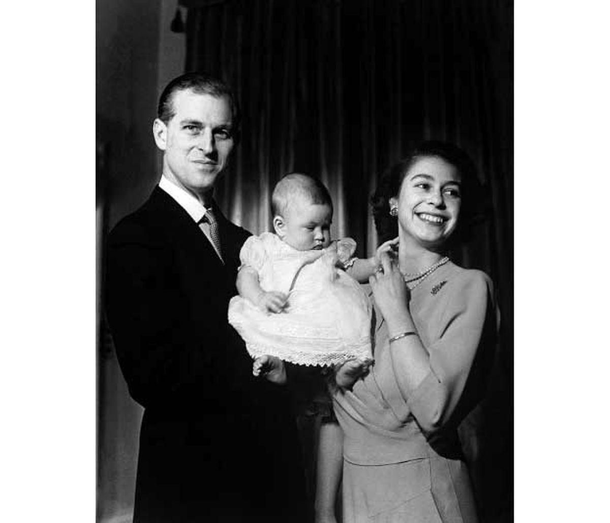 Die Freude ist groß, als mit Prinz Charles 1948 ein Thronfolger zur Welt kommt.