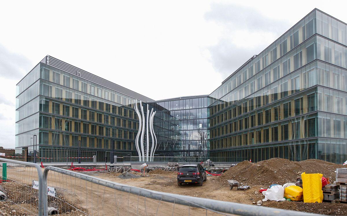 """Mit der Beratungsfirma PwC hat der Ban de Gasperich seit kurzem seinen ersten """"Bewohner"""". Noch steht das Gebäude etwas einsam da, doch sollen viele weitere Firmen folgen."""