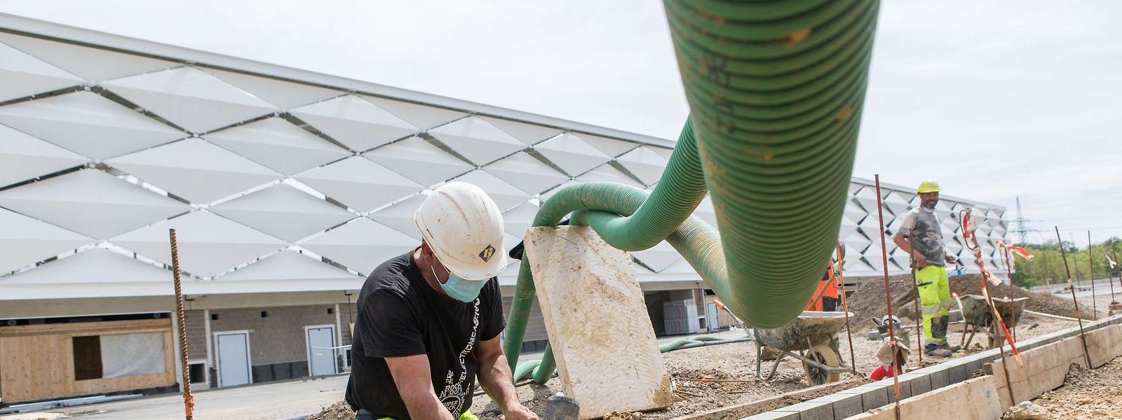 Die Folgen der Corona-Krise haben die Baubranche zunächst nicht so dramatisch getroffen wie andere Branchen.