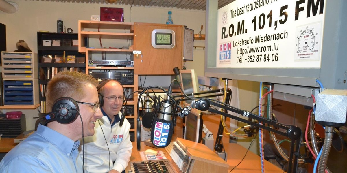 Die beiden Moderatoren Tom (l.) und Gerry an ihrem Arbeitsplatz. (Foto: Frank Weyrich) / Foto: Frank WEYRICH