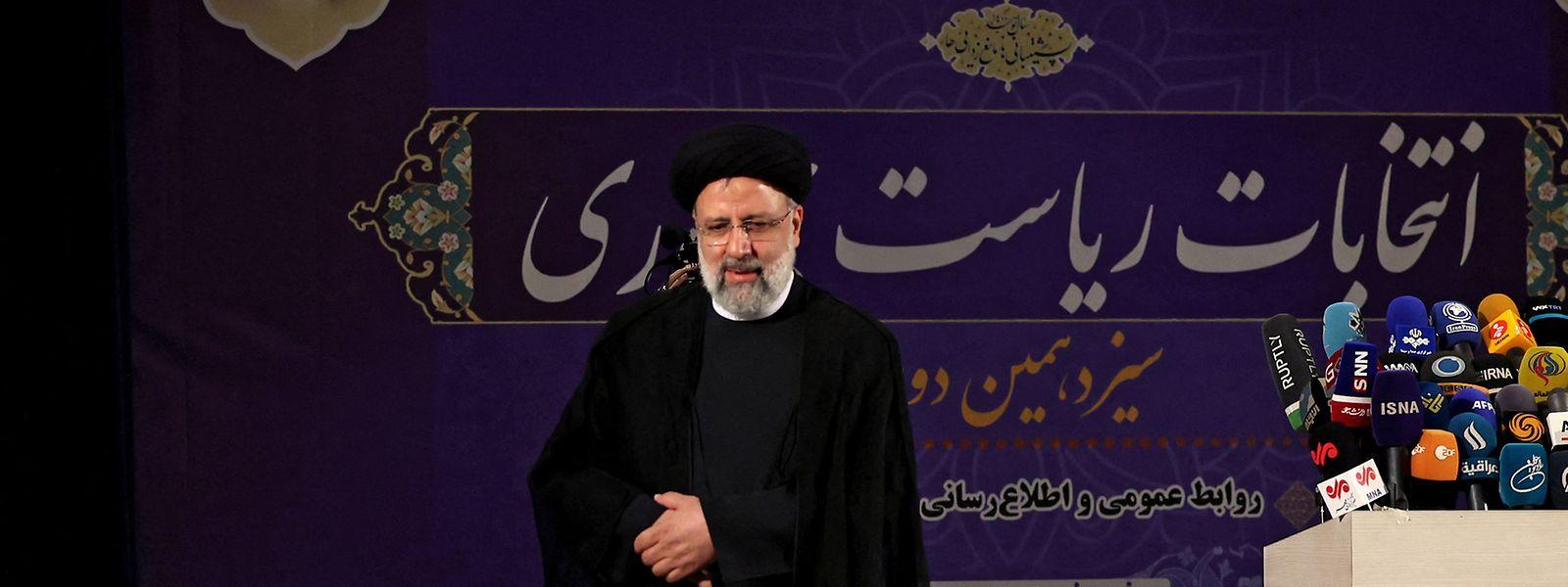 Nachdem mehrere aussichtsreiche Mitbewerber von den Präsidentschaftswahlen im Iran ausgeschlossen wurden, gilt Ebrahim Raisi als haushoher Favorit.
