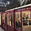Royaler Fahrgast: Spaniens König Felipe in der Metro von Madrid.