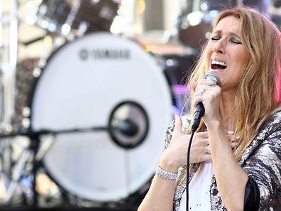 """Céline Dion interprétera """"How Does A Moment Last Forever"""", une ballade écrite par les auteurs-compositeurs Tim Rice et Alan Menken."""