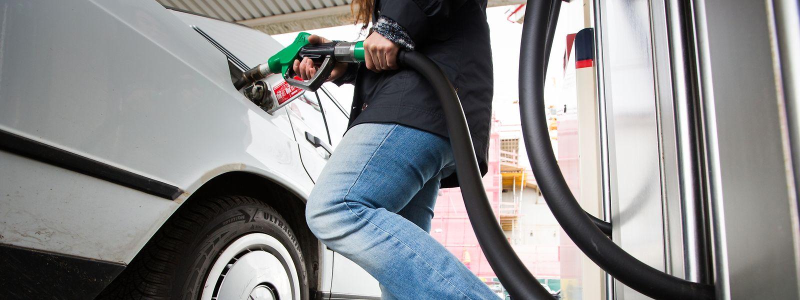 Pour l'ULC, la hausse annoncée des taxes sur les carburants ne passe pas