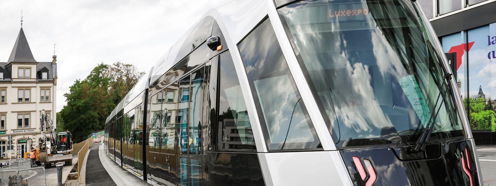 Seit einem Monat fährt die Tram nun über die Rote Brücke bis zur Stäreplaz. 17 bis 20 Minuten dauert die gesamte Fahrt von der Luxexpo bis zur neuen Endstation.
