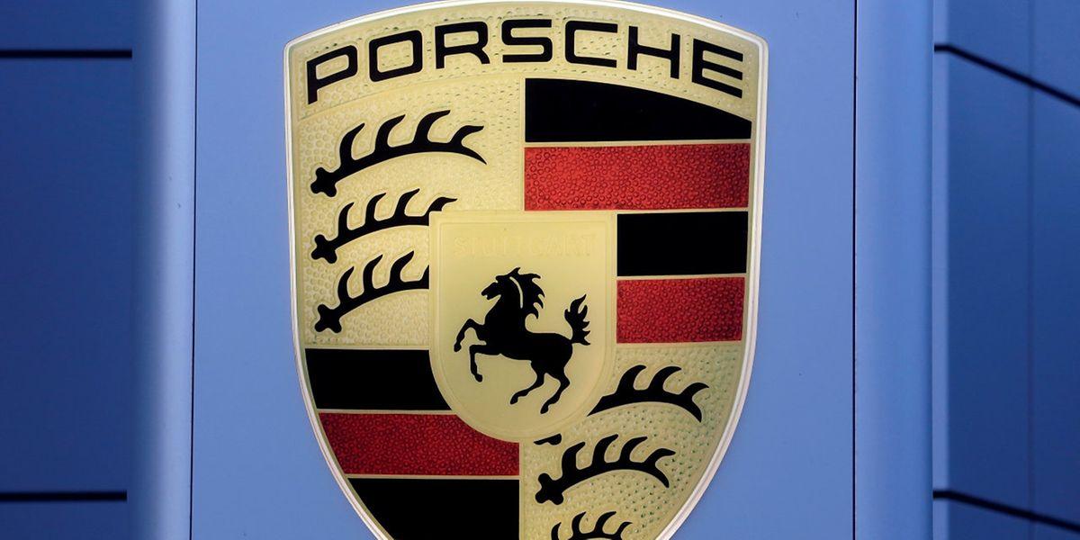 Im Geschäftsjahr 2016 hatte Porsche die Auslieferungen um sechs Prozent auf 237.778 Fahrzeuge gesteigert. Damit wurde ein Umsatz von 22,3 Milliarden Euro erzielt.