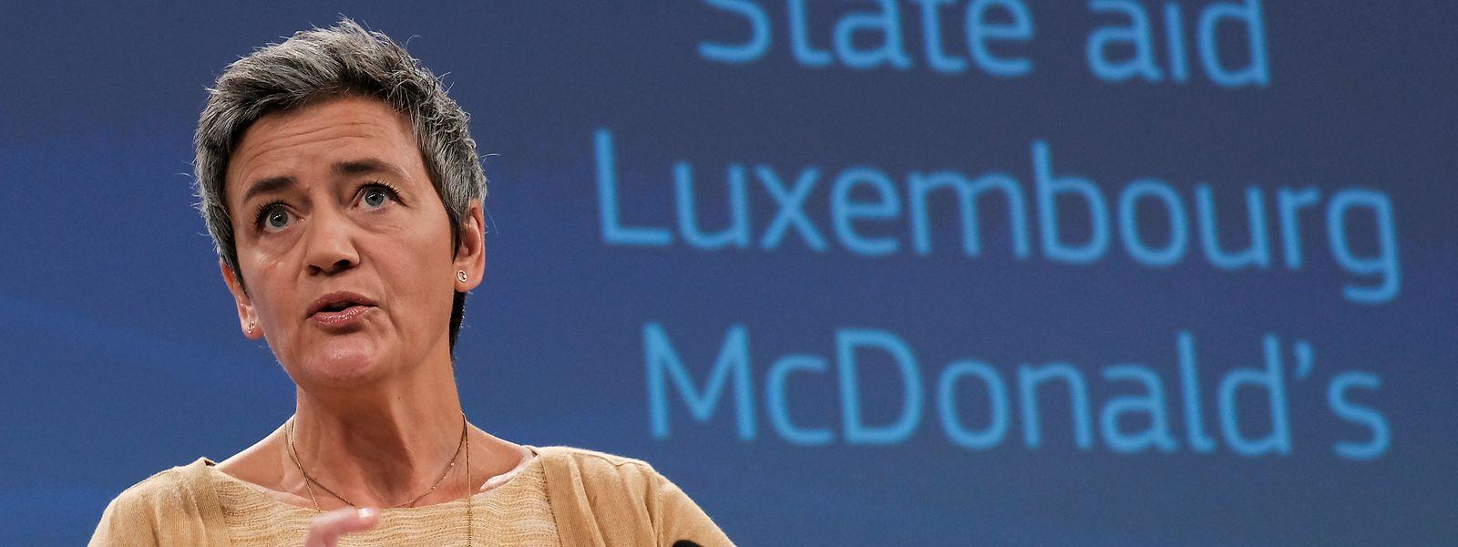 Starbucks, McDonald's und jetzt Huhtamäki: Margrethe Vestager schreckt nicht vor großen Konzernnamen zurück.