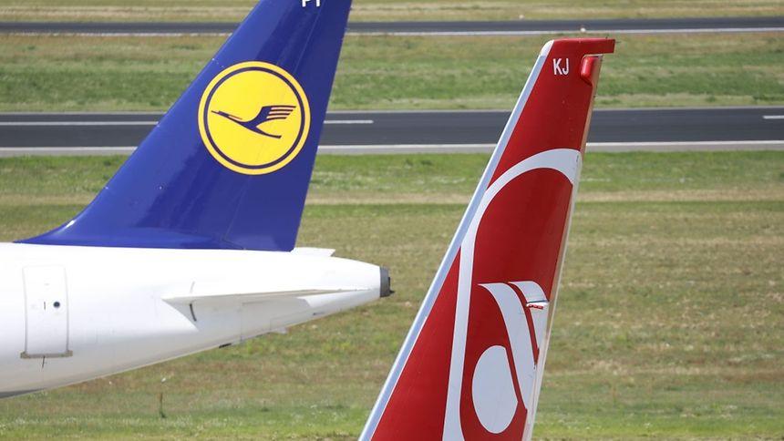 Lufthansa va reprendre une grande partie de la compagnie en déconfiture Air Berlin, soit 81 avions et 3.000 salariés.