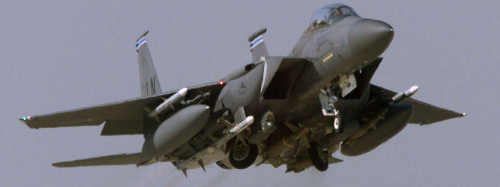 "Ein Kampfjet des Typs McDonnell Douglas F-15 ""Eagle"" der US-Luftwaffe."