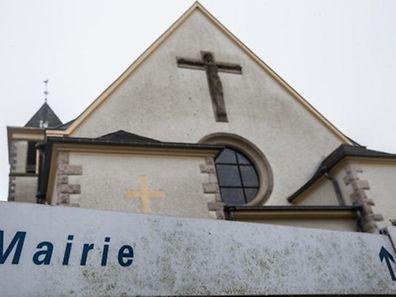 Die Gemeindeverantwortlichen können sich noch bis zum 1. Juni mit den Vertretern der Kichenfabriken einigen, wem die Kirchengebäude gehören.
