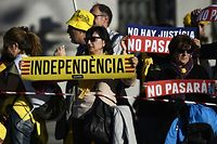 In der spanischen Hauptstadt versammelten sich Hunderte Anhänger der Separatistenbewegung.