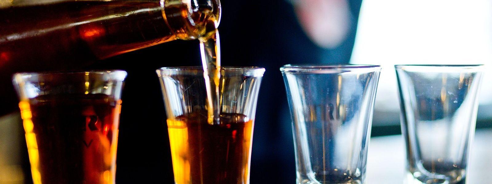 Bei zu starker Alkoholeinnahme kann die Polizei einem Fahrer vier Punkte auf dem Führerschein abziehen. Das Strafmaß kann je nach Schwere noch viel höher sein.