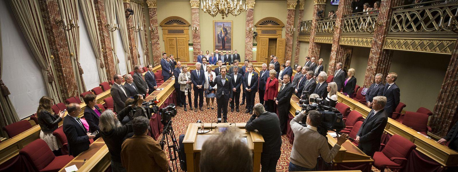 Bei der Rentrée parlementaire wurden am Dienstag die ersten 45 Abgeordneten vereidigt. Die restlichen 15 Parlamentarier legen ihren Eid erst ab, wenn die Regierung steht.