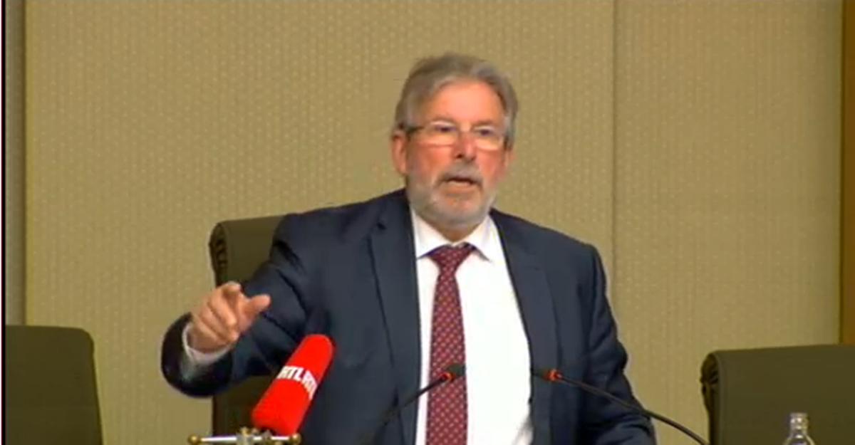 Le président de la Chambre a interrompu la séance peu avant 15h30 sur décision de la Conférence des présidents.
