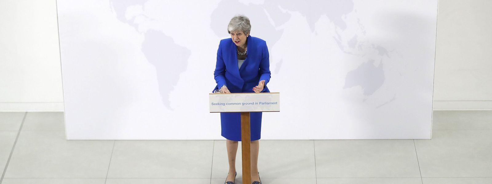 Theresa May steht mit ihrem Brexit Deal alleine da - schon wieder.