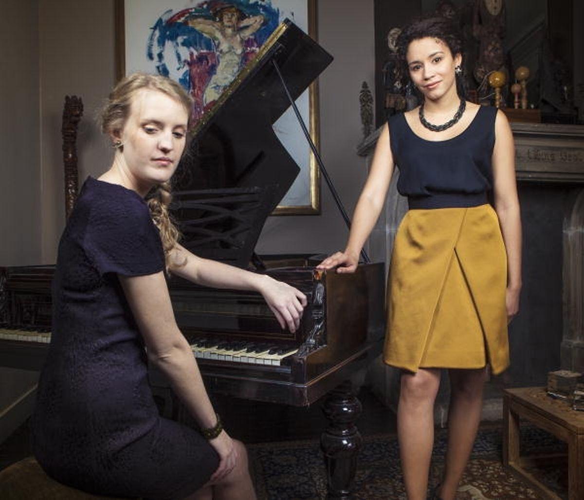 Le Duo Rosa est composé de la soprano Stephany Ortega et de la pianiste Léna Kollmeier,