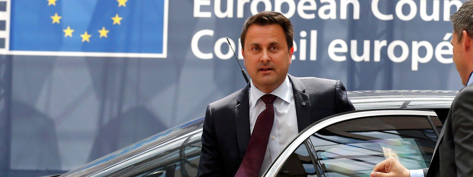Le gouvernement opte pour les marques allemandes (Audi, BMW ou Mercedes), comme le Premier ministre lors d'un déplacement à Bruxelles.
