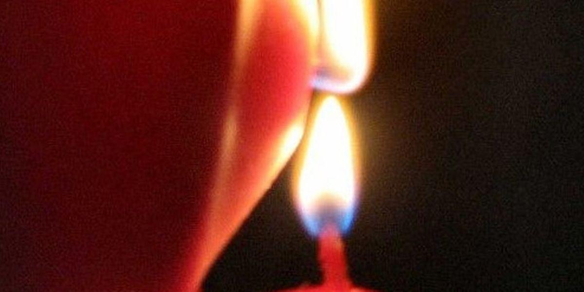 Jeden Sonntag erfreue ich mich an den Kerzen des heller werdenden Adventskranzes.