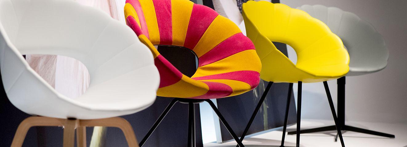 Zum Themendienst-Bericht von Isabelle Modler, Franziska Gabbert und Simone A.Mayer vom 14. Januar 2020: Mit Stühlen in Blütenform kann man die Natur optisch ins Haus holen - Tonon hat sie auf der Internationalen Möbelmesse IMM in Köln vorgestellt. Foto: Franziska Gabbert/dpa-tmn - Honorarfrei nur für Bezieher des dpa-Themendienstes +++ dpa-Themendienst +++
