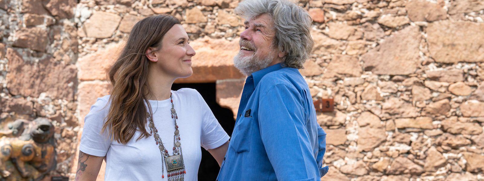 Diane Schumacher und Reinhold Messner auf Schloss Sigmundskron bei Bozen in Südtirol.