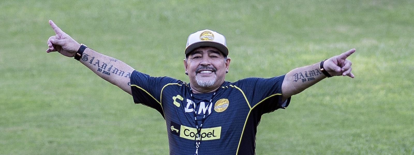 Maradona, de 58 anos, deve permanecer hospitalizado pelo menos até segunda-feira, noticiou a agência de notícias Efe, citando fontes médicas.