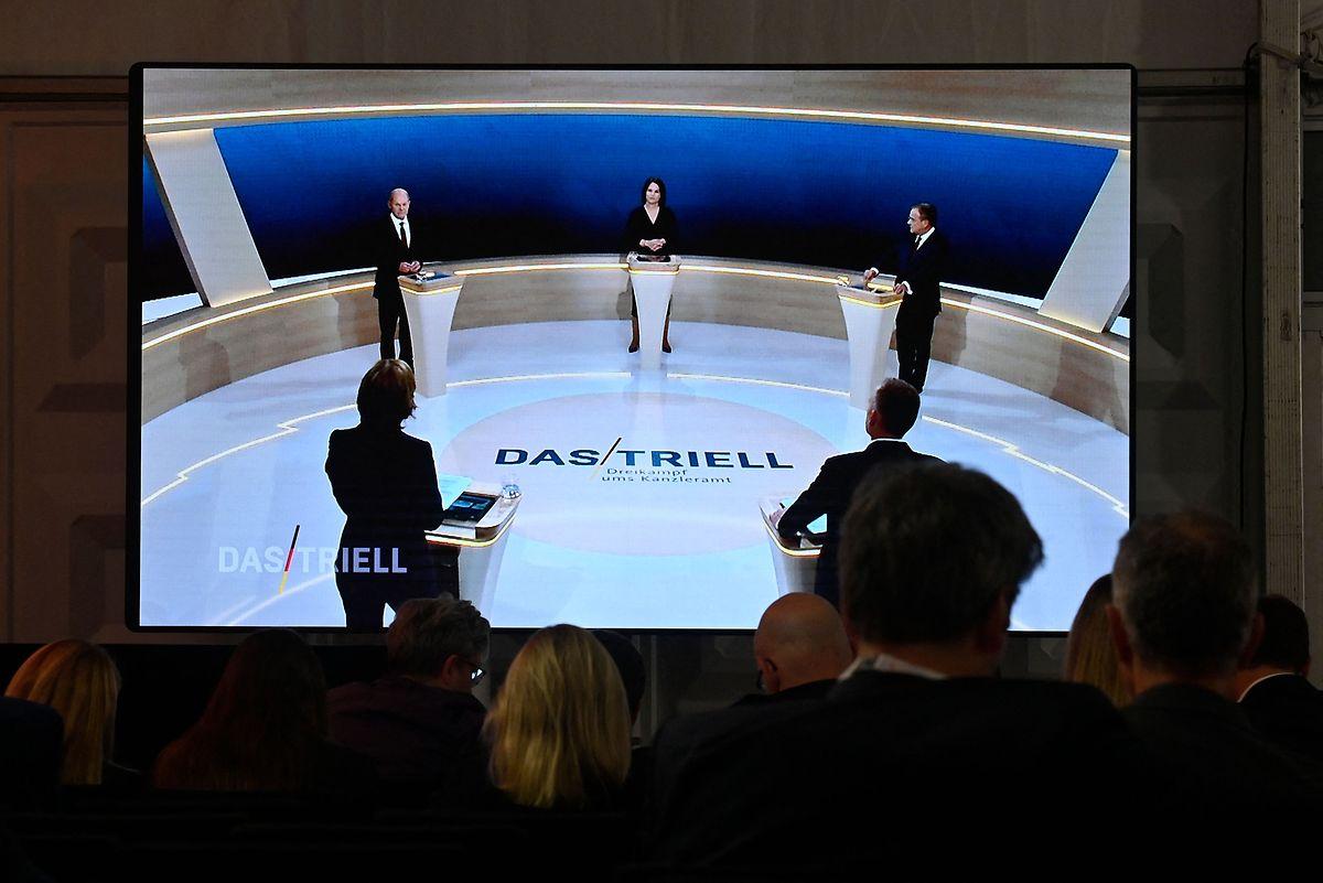 Schon in einer Woche dürfen sich die drei erneut fernsehöffentlich streiten: Sieben Tage vor der Wahl steigt das letzte große Triell.