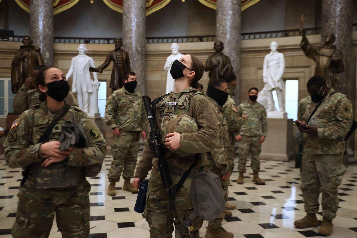 Des centaines de militaires réservistes ont passé la nuit à l'intérieur du Congrès.