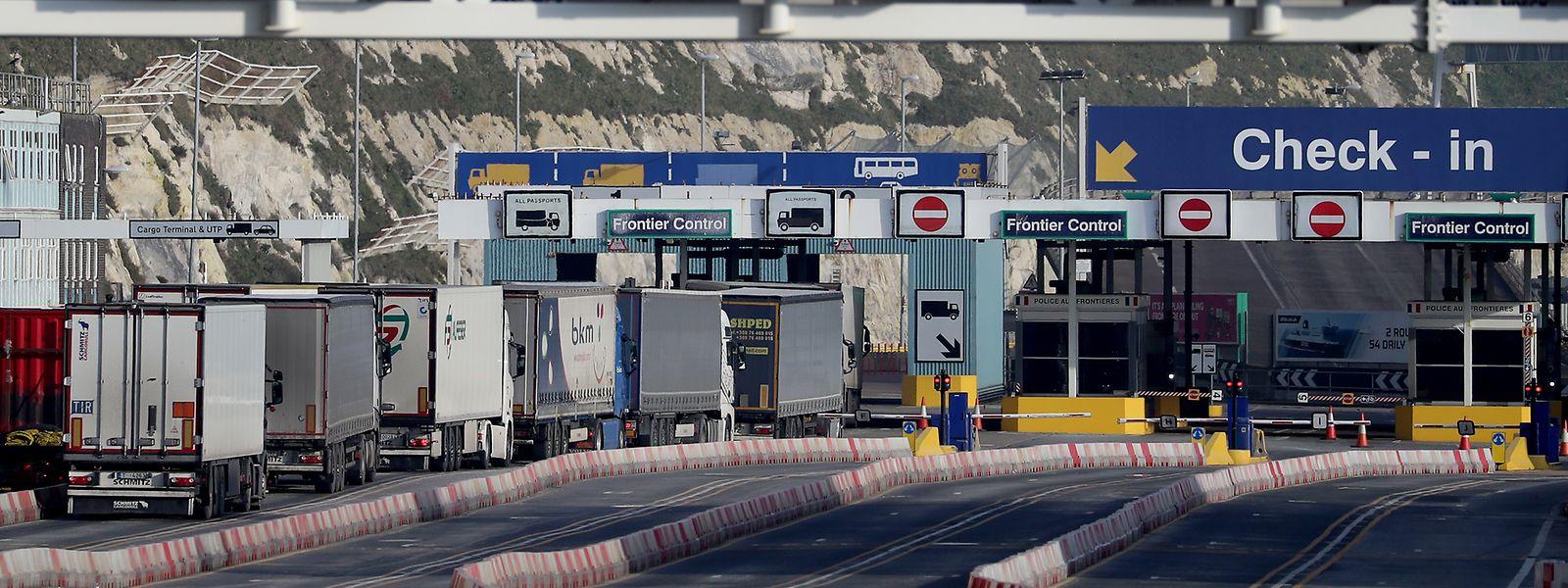 Experten rechnen nach dem Brexit mittelfristig mit deutlich weniger Exporten aus Großbritannien in die EU.