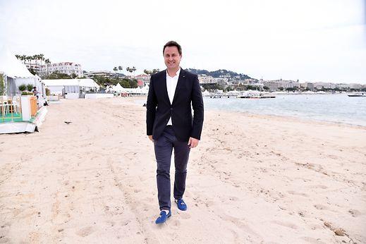 Le ministre de la Culture, en visite au festival de Cannes, a renouvelé son soutien à la start-up Avia.