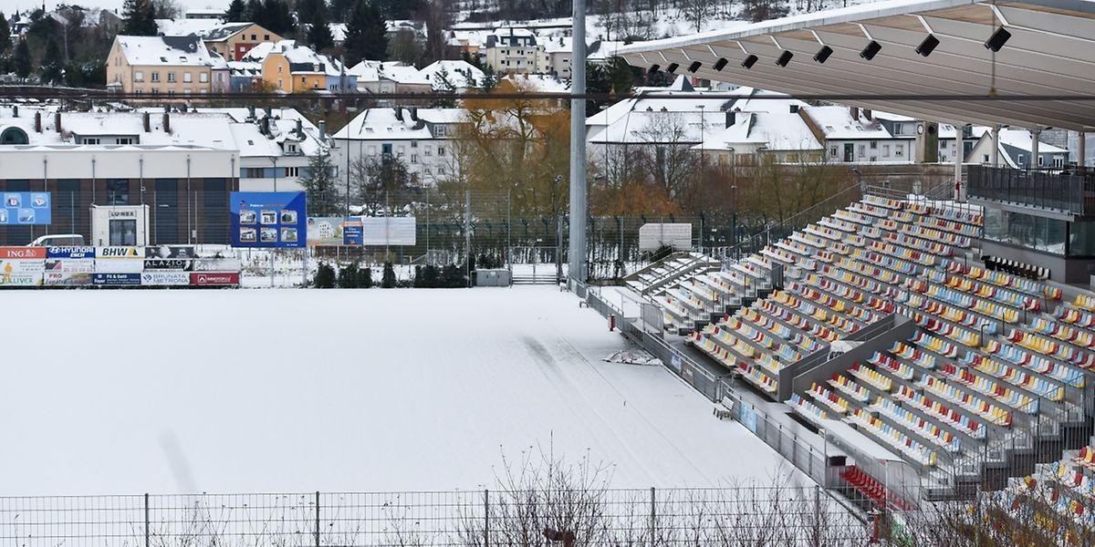 Der Wintereinbruch am Sonntagmorgen verhinderte jedes Fußballspiel.