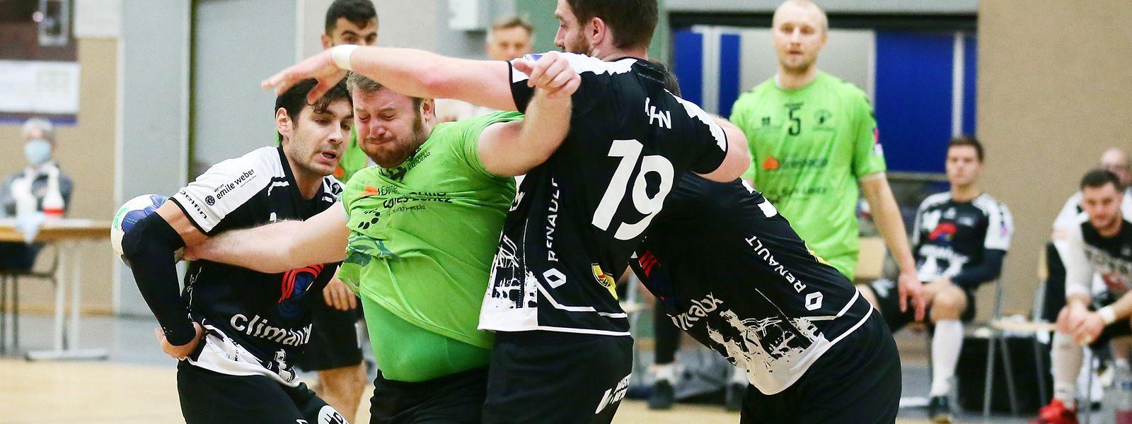Im Handball (hier ein Foto vom Duell zwischen dem HB Esch und Käerjeng) soll Ende Januar wieder um Erfolge gekämpft werden.